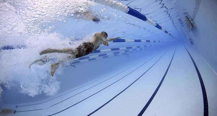 How to Add Muriatic Acid to Pool