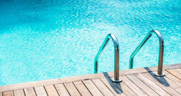 how to shock a pool with bleach